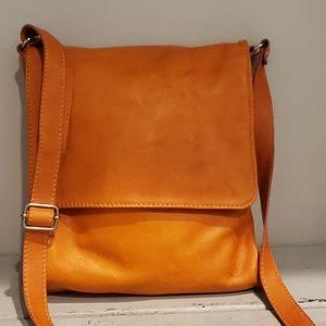 Vera Pelle orange leathet crossbody purse